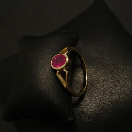 65ct-burmese-ruby-18ctgold-ring-02365.jpg