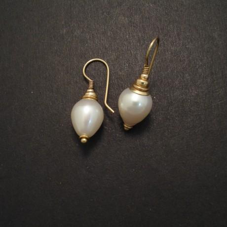 elegant-fixed-hook-earring-9ctgold-pearl-04634.jpg