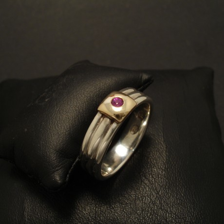12ct-ruby-bright-gold-slab-3band-silver-ring-02509.jpg