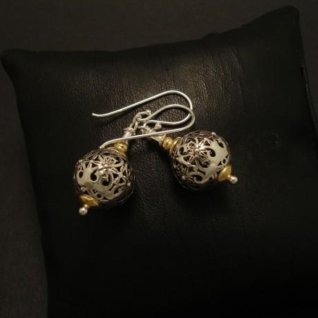 handworked-pierced-silver-bead-earrings-02790.jpg