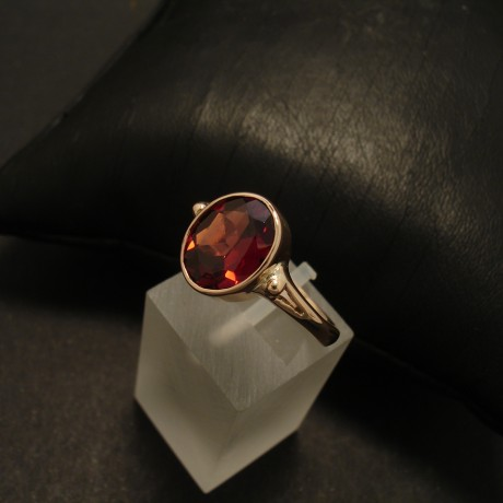 superior-10x8mm-garnet-9ctgold-ring-02565.jpg