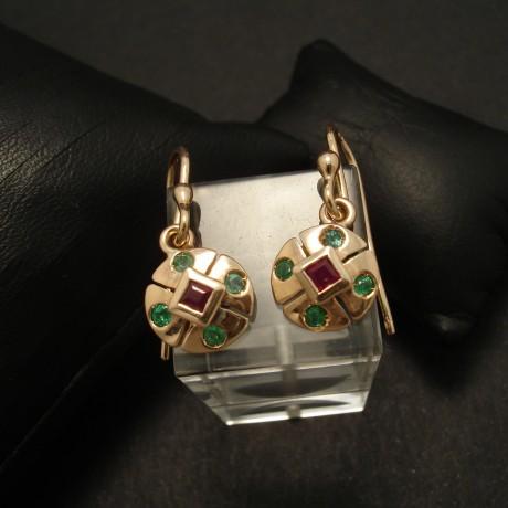 compact-9ctgold-earrings-ruby-emeralds-02902.jpg
