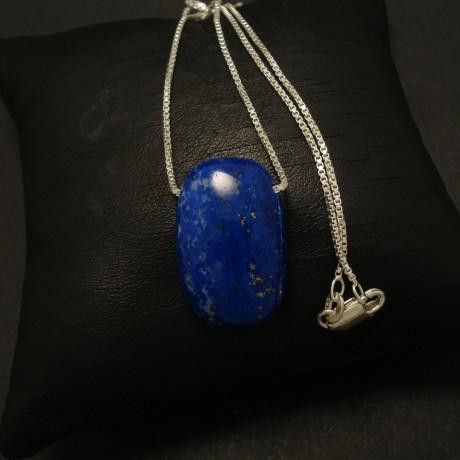cushion-shaped-lapis-lazuli-silver-chain-02917.jpg