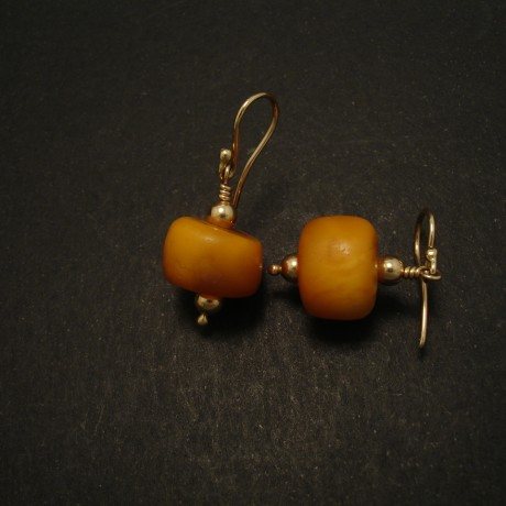 matched-old-tibetan-amber-9ctgold-earrings-03145.jpg