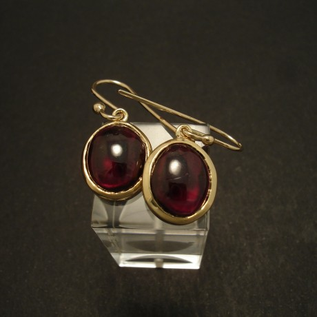 12x10mm-cab-garnet-9ctgold-earrings-02884.jpg