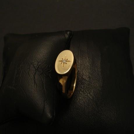 oval-signet-ring-9ctgold-daiamond-star-set-03266.jpg