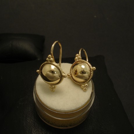 ancient-grecian-form-earrings-9ctyellow-gold-03444.jpg