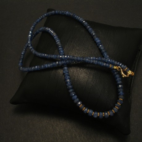cut-blue-sapphire-gold-bead-necklace-03373.jpg
