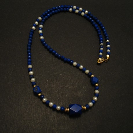 fine-dark-blue-lapis-pearl-gold-necklace-03422.jpg