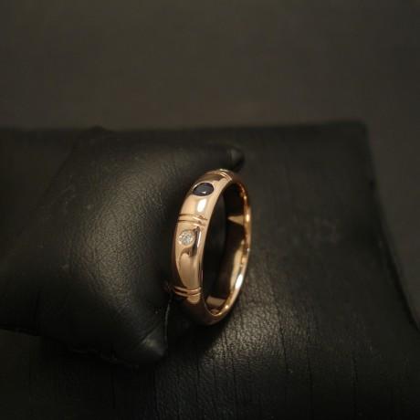 notched-9ctrose-gold-ring-sapphire-diamonds-03498.jpg