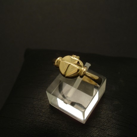 small-scarab-ring-hmade-18ctgold-03331.jpg