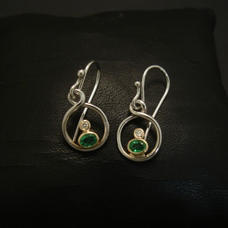 bright-oval-natural-emeralds-diamonds-18ctgold-earrings-03984.jpg