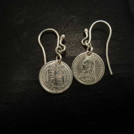 commemorative-victoria-silver-coin-earrings-04089