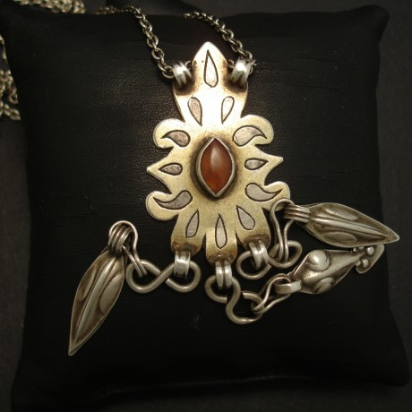flame-motif-old-turkmen-silver-pendant-04137.jpg