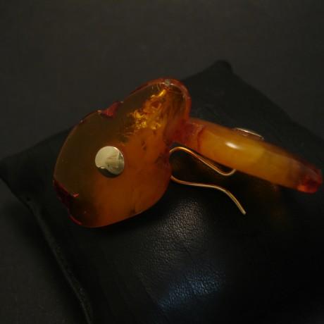 amber-slabs-freeform-cut-gold-earrings-04338.jpg