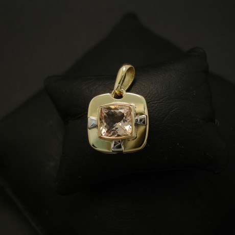 emerald-cousin-pink-morganite-18ctgold-hmade-pendant-04283.jpg