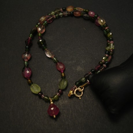 tourmalines-greens-pinks-necklace-9ctgold-finish-04278.jpg