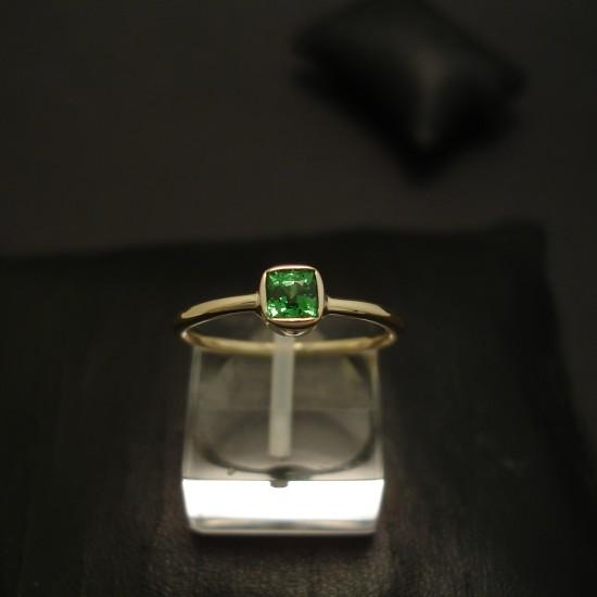 .72ct-tzavorite-garnet-hcrafted-18ctgold-ring-04404.jpg