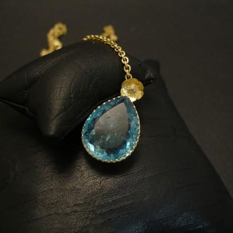 13ct-teardrop-aquamarine-pendant-hmade-18ctgold-04576.jpg