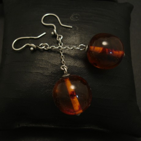 antique-polish-amber-silver-eardrops-04701.jpg