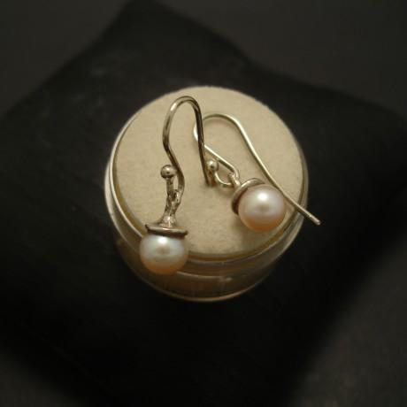 neat-white-pearl-white-gold-earrings-04758.jpg