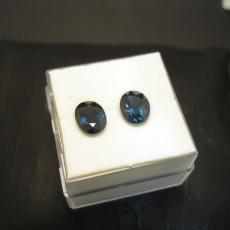 oval-pair-fine-blue-australian-sapphires-8x6mm-2.99ct-04639.jpg