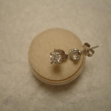 gia-certified-diamonds-.70ct-18ctwhite-gold-earstuds-04957.jpg