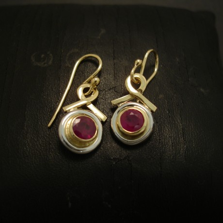 natural-deep-red-ruby-1.9cts-18ctgold-earrings-04870.jpg