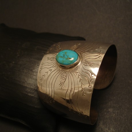 oval-16x12mm-turquoise-hcarved-silver-cuff-05162.jpg