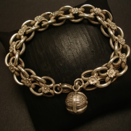french-night-day-antique-silver-bracelet-05074.jpg