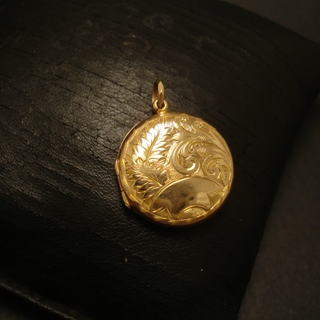year-1909-english-antique-9ctgold-locket-round-05096.jpg