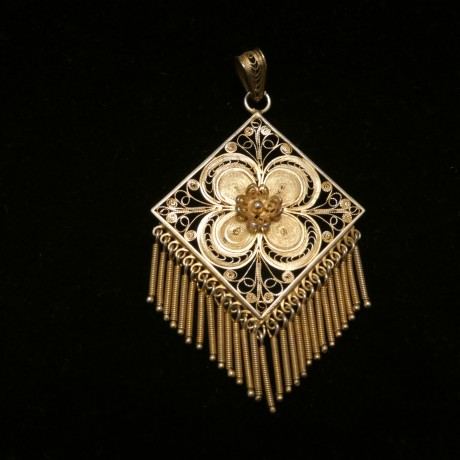 north-european-antique-silver-filigree-pendant-00396.jpg