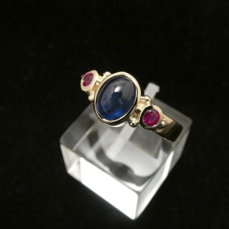 superior0sapphire-cabochon-rubies-18ctgold-hmade-ring-00522.jpg