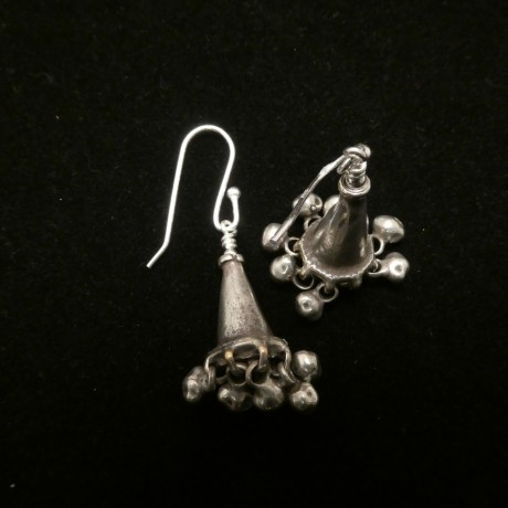 matched-rajasthani-tribal-silver-pendants-earrings-00533.jpg