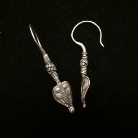old-gujrati-tribal-silver-earrings-00532.jpg