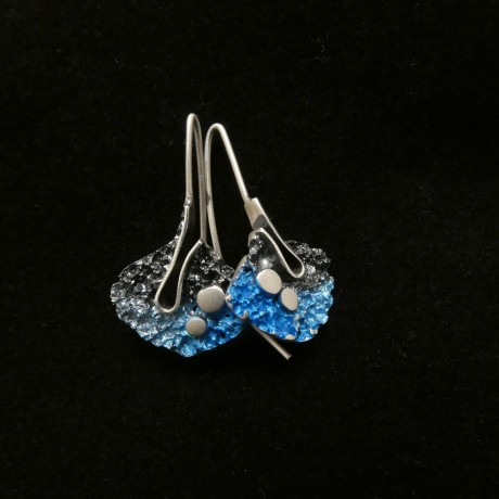organic-enamelled-form-silver-earrings-00543.jpg