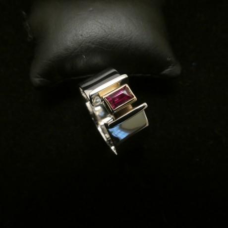 ruby-gold-silver-modern-ring-00478.jpg