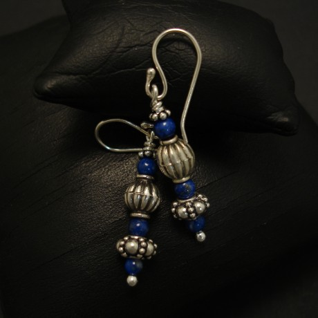 six-lapis-lazuli-beads-hmade-silver-earrings-04002.jpg