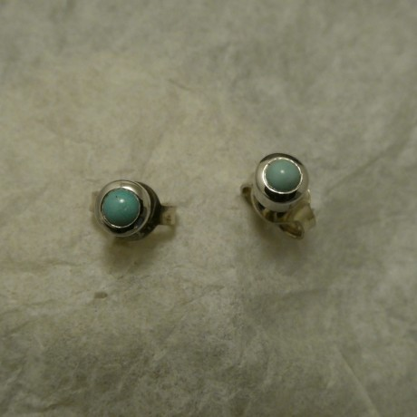 tiny-persian-turquoise-9ctwhite-gold-studs-00679.jpg