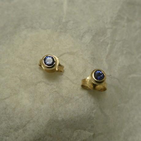 .20ct-ceylon-blue-sapphires-compact-9ctgold-studs-00677.jpg