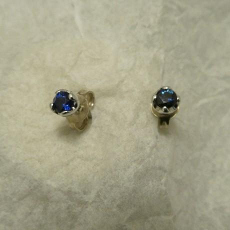 .28ct-ceylon-sapphires-4-claw-9ctwhite-gold-studs-00666.jpg