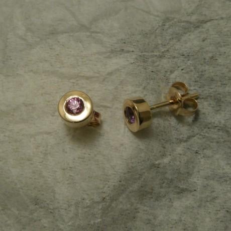sharp-pink-sapphires-9ctrose-gold-studs-00870.jpg