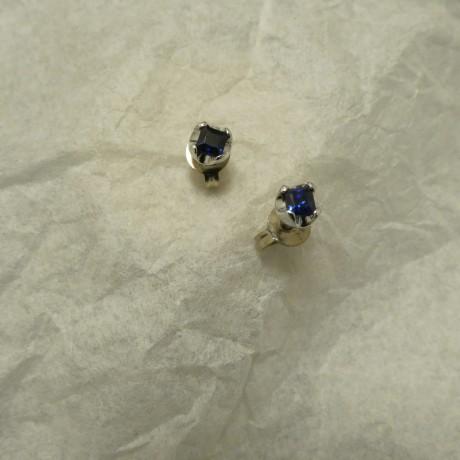 square-cut-ceylon-sapphires-9ctwhite-gold-4-claw-studs-00665.jpg