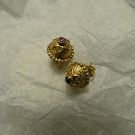 tiny-garnets-hmade-silver-studs-00721.jpg