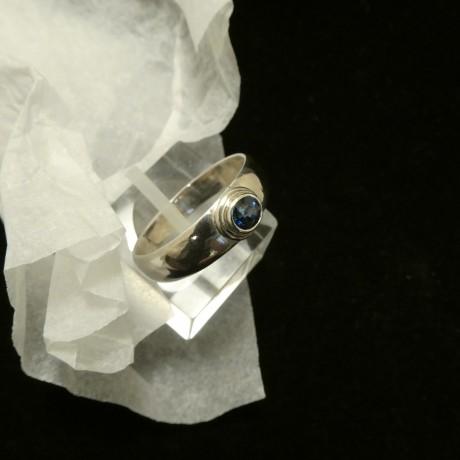 4mm-deep-blue-sapphire-hmade-silver-ring-00790.jpg
