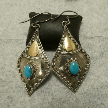 bold-handcrafted-silver-earrings-arizona-turquoise-00846.jpg