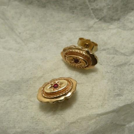 solid-oval-rose-gold-earstuds-star-set-rubies-00821.jpg