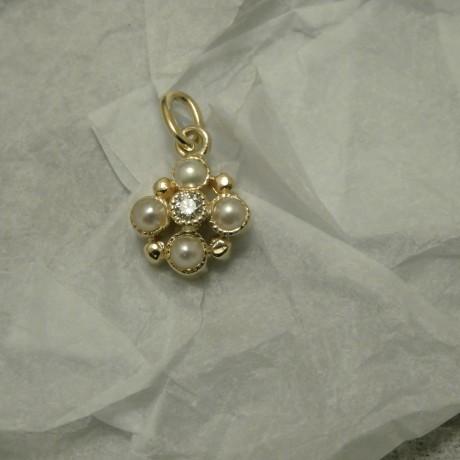 lovely-mix-diamond-pearl-pendant-9ctgold-10007.jpg