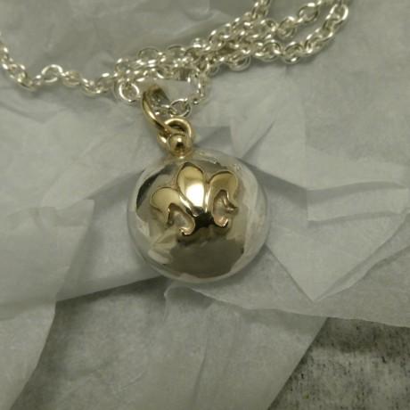 french-fleur-de-lys-silver-gold-pendant-00967.jpg