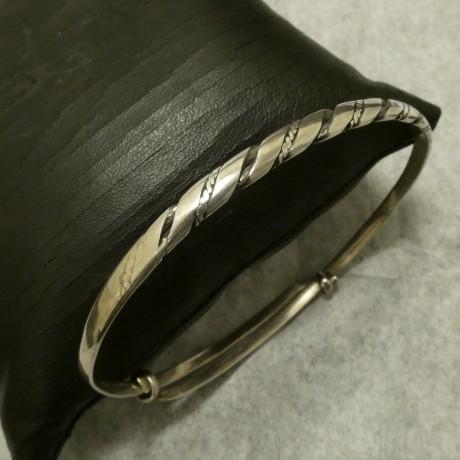 slim-adjustable-handmade-silver-bangle-00856.jpg